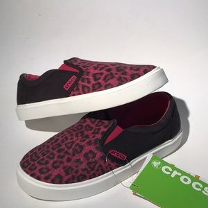 Crocs sneakers girls size 2 NWT